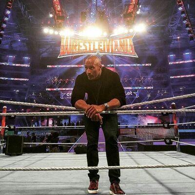 The Rock sur le ring de WrestleMania